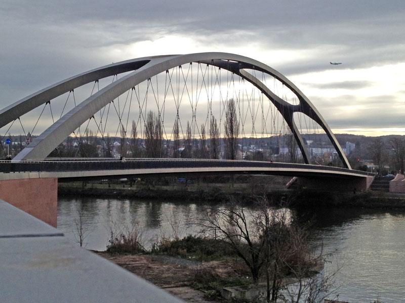 Blick von der Honsell- zur Osthafenbrücke