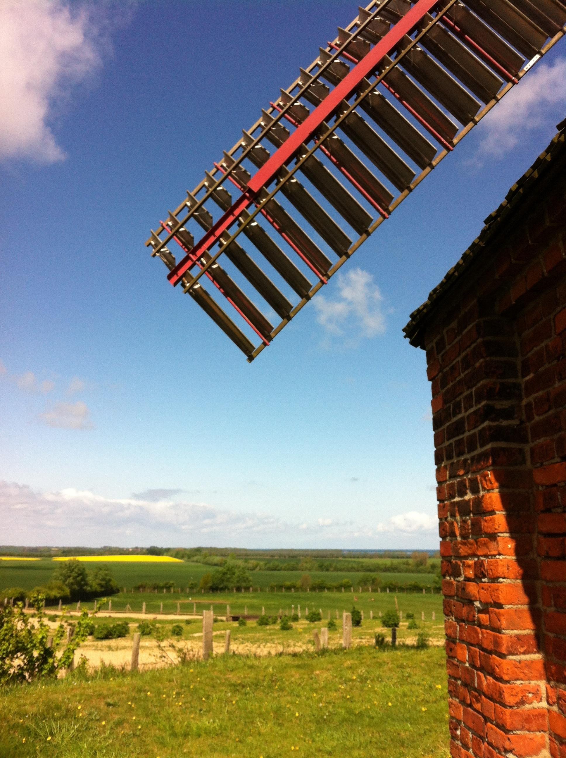 Holländermühle am Ortseingang von Stove