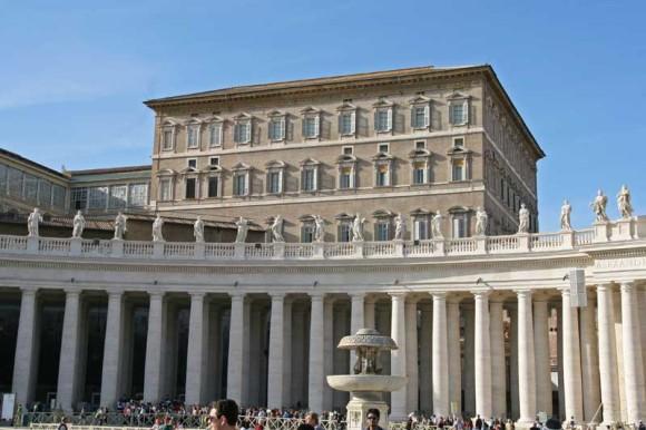 Apostolischer Palast - hier residiert der Papst (wenn er nicht Franziskus heißt und lieber im Gästehaus wohnen bleibt).