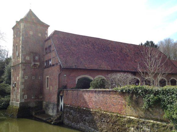 Die Vorburg diente seit dem 19. Jahrhundert als landwirtschaftliches Gebäude