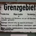 Schild am Grenzwachturm
