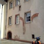 Das älteste Steinhaus nördlich der Alpen? Nein: Das älteste Steinhaus Deutschlands. Oder nee, so: Das älteste dauerhaft bewohnte römische Steinhaus in Deutschland. So stimmt's.